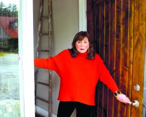 Lynn Monday is the owner of her own interior design company, Lynn Monday Home and Designs.